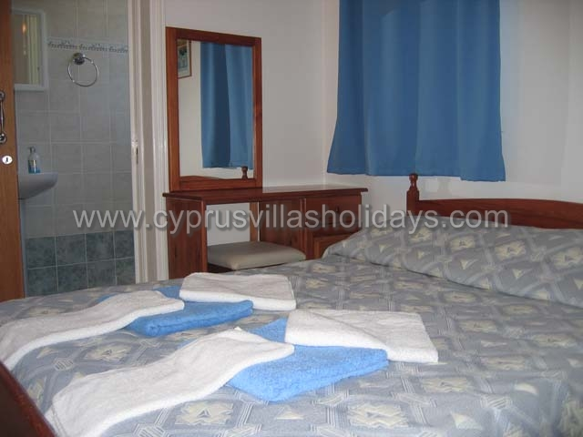 Cyprus  Accommodation-villas for rent paphos cyprus